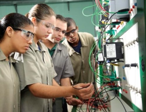 Cursos técnicos voltados à indústria atraem mais mulheres
